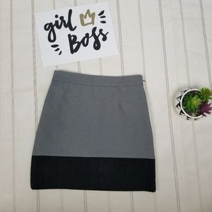 LOFT gray and black mini skirt size 2P -C9